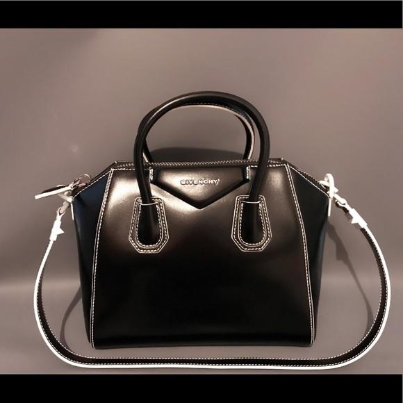 251b837f97bc Givenchy ANTIGONA Small